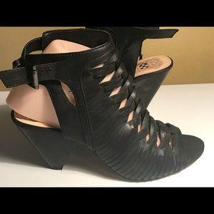 VINCE CAMUTO EMIRE CAGE Black Leather Shoes sz8M